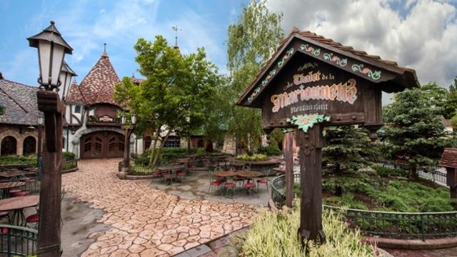 Au chalet de la marionnette Disneyland Paris