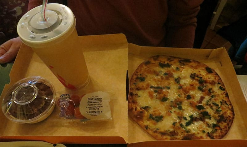 repas Colonel hathi's pizza outpost