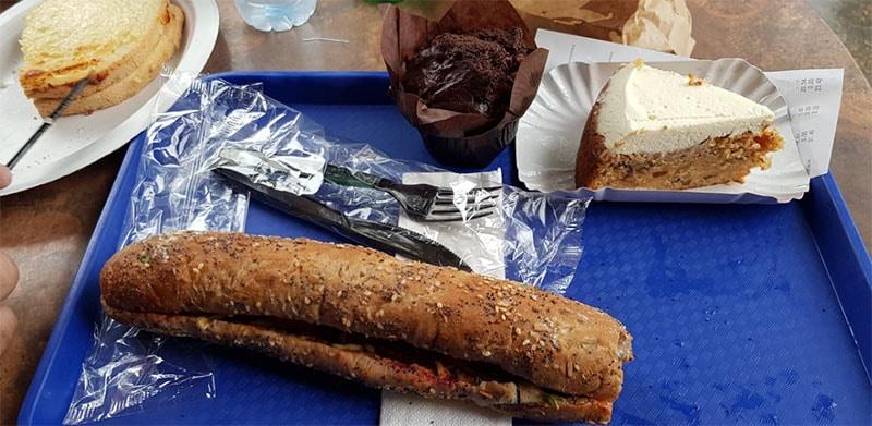 repas au Market House Deli à Paris