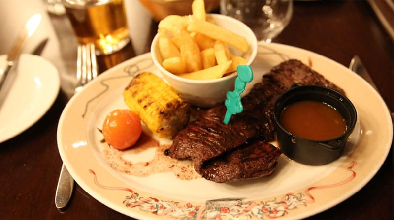 repas au disneyland silver spur steakhouse
