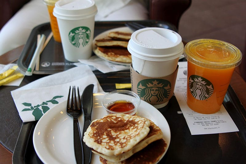 repas au starbucks coffee