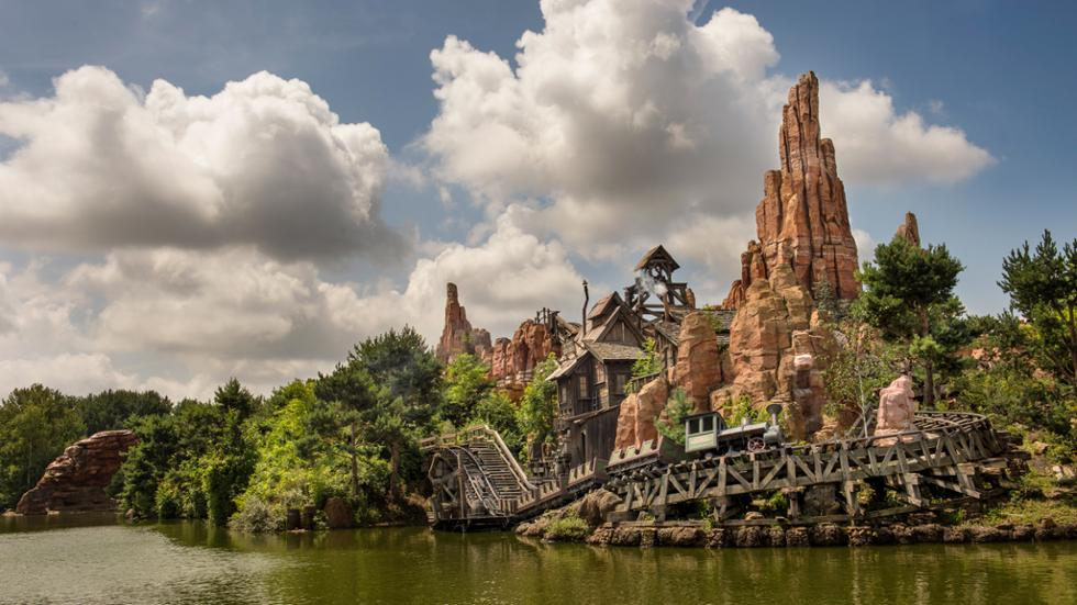 attraction big thunder montain