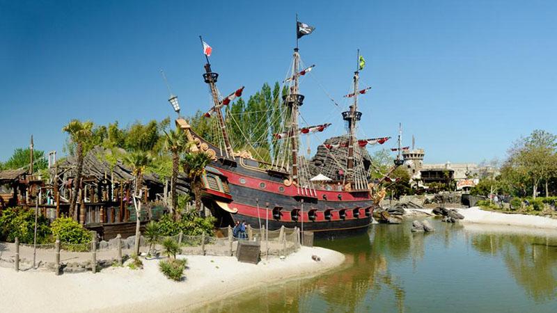 le bateau pirate d'Adventureland Paris