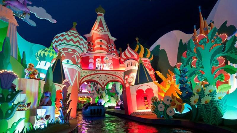 """l'attraction des poupées """"it's a small world"""" de Disneyland paris"""