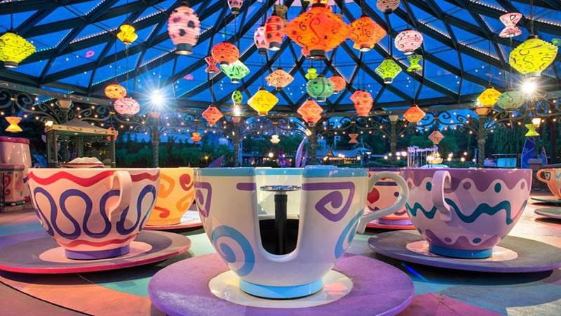 les tasses géantes à Disney Paris