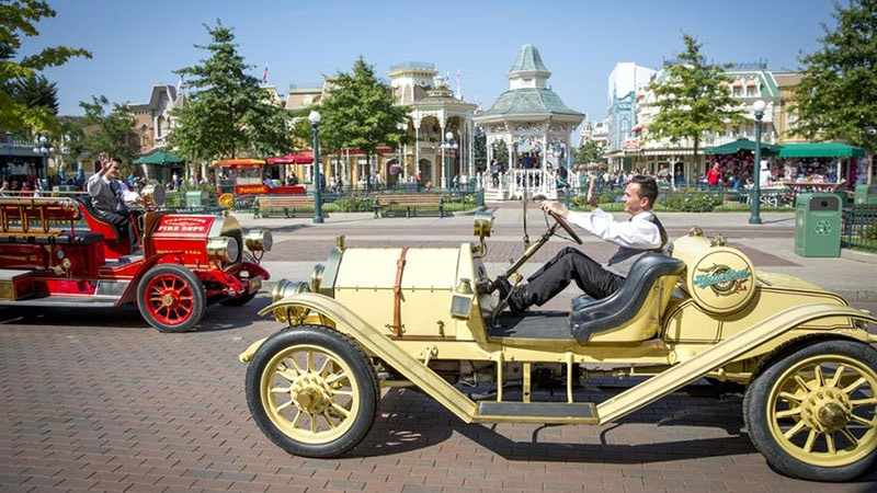 attraction main Street Vehicles